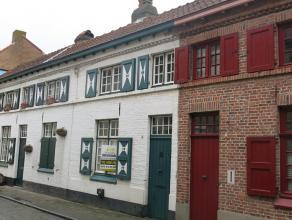 Charmante stadswoning met 2 slaapkamers en tuin op een fijne locatie tussen Oude Gentweg en Katelijnestraat in Brugge. Tijdloos karakter en een aangen