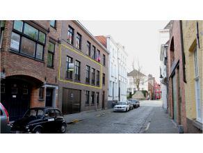2-Slaapkamerappartement op een fijne locatie in de stadskern van Brugge waar ruimte en rust primeert! Tussen de Groenerei en het koningin Astridpark!