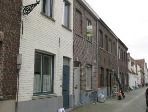Lichtrijk en moderne stadswoning met terras vlakbij de coupure en de kazernevest in Brugge. Een goede rustige ligging en toch overal dichtbij. In 2012