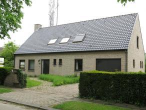 Alleenstaande woning met garage en omliggende supersize tuin in een villawijk te Assebroek. Een prachtige ligging (bus, scholen, winkels op wandelafst