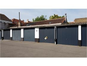 Garagebox met uitstekende en centrale ligging in het centrum van Brugge vlakbij de Coupure. Ideaal voor buurtbewoners van de Ganzenstraat, Hooistraat,