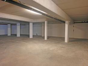Ondergrondse parkeerplaats nummer 17 in residentie Rutherford. De residentie geniet van een goede, vlot bereikbare ligging en dit op wandelafstand van