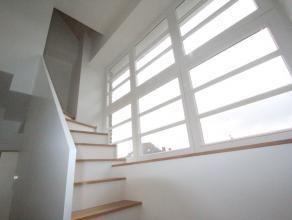 Assebroek, schitterend modern gerenoveerd woonhuis, zonneterrassen met ochtendzon en avondzon.Hoge afwerkingsgraad, kwaliteitsmaterialen, renovatie 20