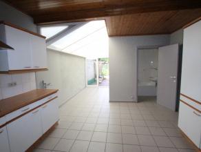 Brugge Sint-Andries rustige straat<br /> Instapklaar woonhuis met 3 slaapkamers, met zonnige tuin op 190m2<br /> omvat: inkom, ruime living met tegelv