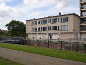 Dit gezellig appartement is gelegen in Ledeberg. Perfecte verbinding naar Gent Centrum, E-40 en E-17. Rustige ligging aan het water. Geen lift aanwezi