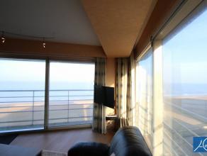 GEMEUBELD. Mooi hoek appartement op de Zeedijk met 2 slaapkamers . Prachtig weids zeezicht reikend tot de Nederlandse Kust. Centraal gelegen tussen he