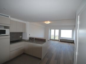 Volledig mooi gerenoveerd appartement op een 3e verdieping op de Zeedijk Albertstrand, vlakbij het casino met 2 slaapkamers, woonkamer, ingerichte ope