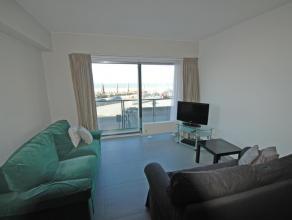 Appartement op de Zeedijk 60m2, inkomhall, woonkamer, ingerichte keuken met doorgeefluik naar woonkamer, vestaire, afzonderlijk toilet, nachthall, sla