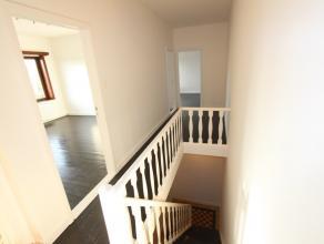 Mooi 2 slaapkamer appartement te Zeebrugge.<br /> <br /> Het appartement bestaat uit: inkomhal, woonkamer, 2 slaapkamers, eetplaats, volledig ingeri