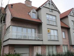 Mooi appartement met 2 slaapkamers<br /> <br /> Indeling: inkomhal met ingebouwde kast, apart toilet, woonkamer met volledig ingerichte keuken en terr