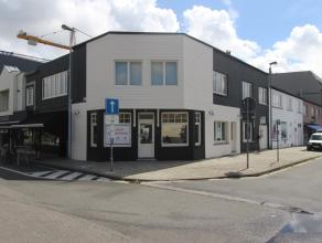 Goed gelegen (Vismijnstraat) handelspand te Zeebrugge. <br /> <br /> Momenteel ingericht als kledingwinkel (toonbank, legplanken, paskamers)<br />