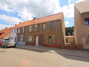 Deze volledig gerenoveerde (2017) woning is goed en rustig gelegen te Middelburg/Maldegem.<br />  <br /> Indeling: Inkomhal, lichtrijke ruime leefruim