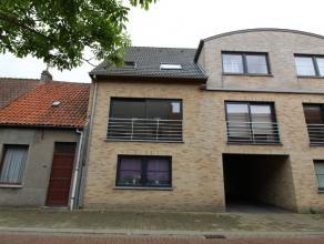 Dit recent appartementsgebouw is gelegen op wandelafstand van het centrum van Gistel. Dit appartement is gelegen op de eerste verdieping en omvat een