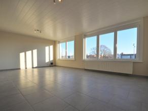Dit instapklaar en volledig opgefrist appartement (82m²) met 2 slaapkamers is gelegen te Male (Sint-Kruis), nabij winkels en openbaar vervoer. He