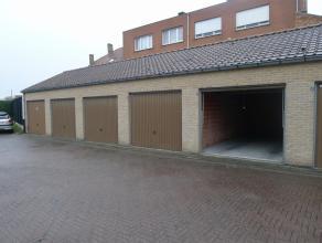Ruime garage te huur (2,86 x 5,63, inrijbreedte: 2,24m) te Assebroek.Deze garage is onmiddellijk beschikbaar.Huurprijs: euro 73,81 (BTW inclusief)