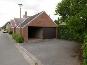Ruime garage te Assebroek met volgende afmetingen:2,79m op 5,45 m met een inrijbreedte van 2,33m.Deze garage is onmiddellijk beschikbaar!