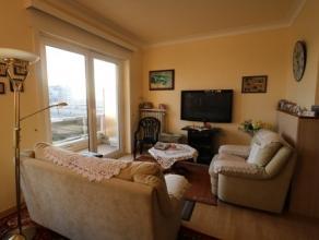 Ruim en zonnig appartement met 2 slaapkamers met prachtig zicht over het tennispark en de jachthaven. Dit appartement bevindt zich op de derde verdiep