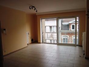 TE HUUR OP JAARBASIS<br /> Residentie Kamoen<br /> <br /> Appartement gelegen in het centrum van Blankenberge met 2 slaapkamers en gemeenschappelijke