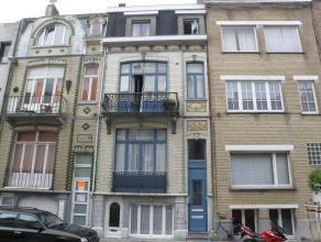 Zeer leuk en knus appartement met veel lichtinval te huur.<br /> Gelegen nabij Grote Markt en jachthaven.<br /> Omvattend : Inkom, living met terras,