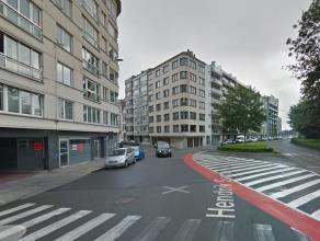 """Centraal gelegen autostaanplaats nummer 230 in afgesloten parkeercomplex: """"Parking Centrum"""" - stadslocatie - derde verdieping.<br /> <br /> - afmeting"""
