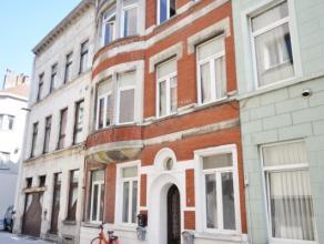Goed gelegen woonhuis nabij Visserskaai en Mijnplein - ingedeeld in 3 kavels (inkom + 3 appartementen + ruime kelder) - actueel verhuurd aan 1850 euro