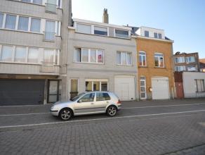 Welgelegen woonhuis op stadsrand Oostende - nabij belangrijkste invalswegen - grote parkeergelegenheid in de onmiddellijke omgeving - indeling: loods