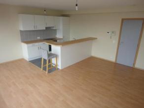 Laeken (réf : 2306) Situé face au Heysel, nous vous proposons ce superbe appartement duplex de 2 chambres. Disposant de 75m², cet a