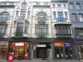 Topligging Adolf Buylstraat Oostende, 65 m² netto winkeloppervlakte, façade 5,4 meter, ruime stockage, alle info op kantoor!<br /> <br />