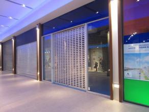 Topligging Feest en cultuurpaleis Oostende, 50m², zeer prestigieus project, zonder overname, alle info op kantoor, onmiddellijk vrij!