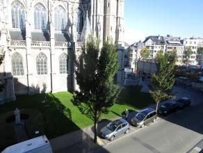 Volledig instapklaar duplex appartement gelegen nabij het station en Vissersplein. Ruime living met prachtig zicht op de St Pieters en Pauluskerk/plei