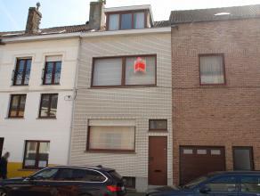 Karaktervolle gezinswoning met tal van mogelijkheden gelegen in het Westerkwartier. Gedeeltelijk gerenoveerd met behoud van authentieke elementen.  Ho