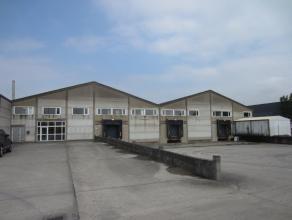 Industriezone Gistel, 1.200 m² bebouwd + burelen en ruime parking, ideaal voor opslag of productie, direct vrij.
