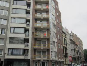 Instapklaar appartement met 2 slaapkamers, mogelijkheid tot 3de slaapkamer of berging. Gelegen op de 3° verdieping in het centrum van Oostende, di