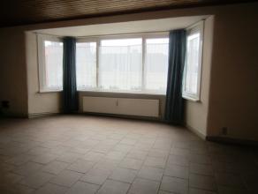 Twee slaapkamer appartement gelegen in het Westerkwartier. Heel veel lichtinval in de living. Er is een ingerichte keuken. Badkamer met ligbad. U bent
