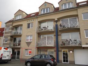 Gelijkvloers appartement met 1 slaapkamer in charmant gebouw (1997) met fietsenberging.  Gelegen op de vuurtorenwijk in een rustige straat dicht bij o