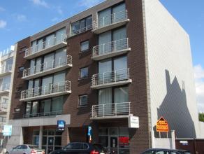 Beste deel Nieuwpoortsesteenweg Mariakerke, 95 m² + ruime kelder, standingvolle residentie, alle bestemmingen mogelijk, goede kwaliteit.<br /> <b