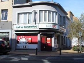 Nieuwpoortsesteenweg Mariakerke-Oostende, actueel koude bakkerij, gekende hoekzaak met ruime mogelijkheden, met woonst en garage, zonder overname, vri