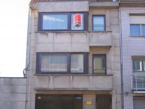Volledige gerenoveerd duplex appartement te Oostende-Vuurtorenwijk met één ruime slaapkamer en ruime dressing.  Er is een ingerichte ope
