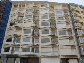 Deze gesloten garagebox is gelegen op de gelijkvloerse verdieping van residentie Marine Emeraude. De garage is onmiddellijk vrij. Hoogte 2,02 breedte