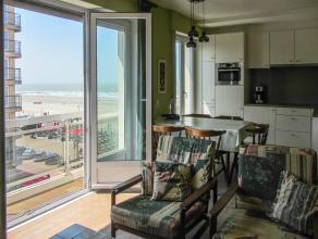 Indeling:zonnige woonkamer met aansluitend balkon;open keuken;badkamer met douche;twee slaapkamers met dubbel bed en twee enkele bedjes;apart toilet;b