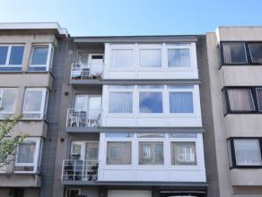 Indeling:ruime zonnige woonkamer;aparte keuken met aansluitend balkon;twee slaapkamers;badkamer;apart toilet;berging;staanplaats en berging in garage