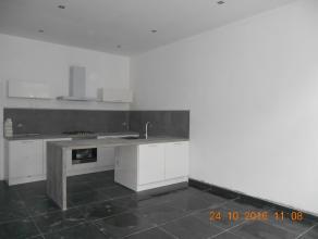 Appartement entièrement rénové ,proche de la gare et du centre de Bruxelles.Surface habitable +/-76m²,living de +/-29m²