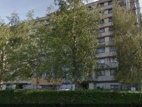 Quartier de Wand et de ces commerces,bel appartement récemment rénové.Surface habitable de +/-85m²,living de +/-45m²,cu