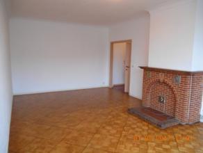 Proximité de la Basilique de Koekelberg,bel appartement entièrement rénové.Surface habitable de +/-55m² ,compos&eacut