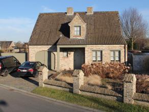 Verzorgd, zonnig & rustig gelegen villa in fermettestijl (landelijk karakter), stevig en op traditionele wijze gebouwd op een perceel bouwgrond (b
