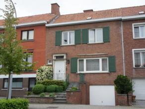 """Te huur euro 735 Woning Kortrijk Deken Camerlyncklaan 65 1 3 148 m2 146 m2 391 kWh/m2 648 923 Deze gezellige woning is gelegen in de rustige wijk """"St."""