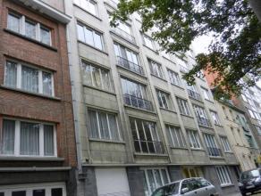 Te huur euro 690 euro 50 Appartement Kortrijk Groeningelaan 11 1 3 114 m2 281 kWh/m2 683 982 01.01.2017 VOLLEDIG gerenoveerd en ruim DRIE-KAMER APPART