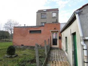 Rustig gelegen volledig te renoveren woning op een totale grondoppervlakte van 194m² in de Vlaamse Ardennen. Zongerichte tuin. EPC niet van toepa