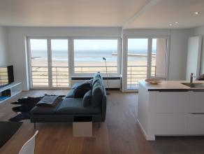 Compleet vernieuwd appartement met zéér hoogwaardige afwerkingsmaterialen. De 6,65m (!) brede living biedt u vanop de 4de verdieping fan