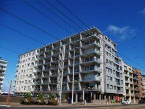 TE BEZOEKEN: Zonnig appartement met 2 slaapkamers en vrij uitzicht, gelegen tussen centrum en Zeedijk! Indeling: inkom, living met zonneterras, keuken